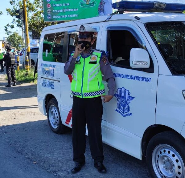 Sasar Pelanggar Prokes dan Disiplin Berlalulintas, Polres Lobar Jaring 50 Pelanggar di Rumak Kediri